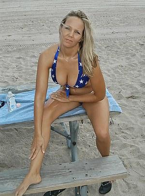 Moms Beach Porn Pictures