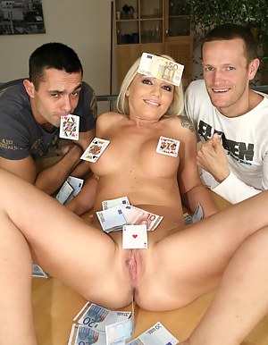 Moms Money Porn Pictures