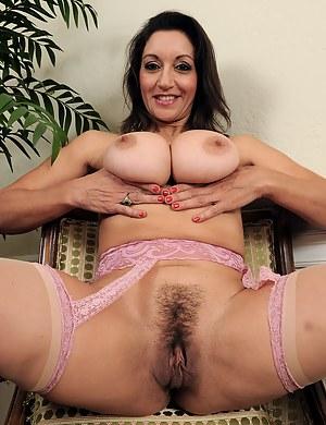 Moms Pornstar Porn Pictures